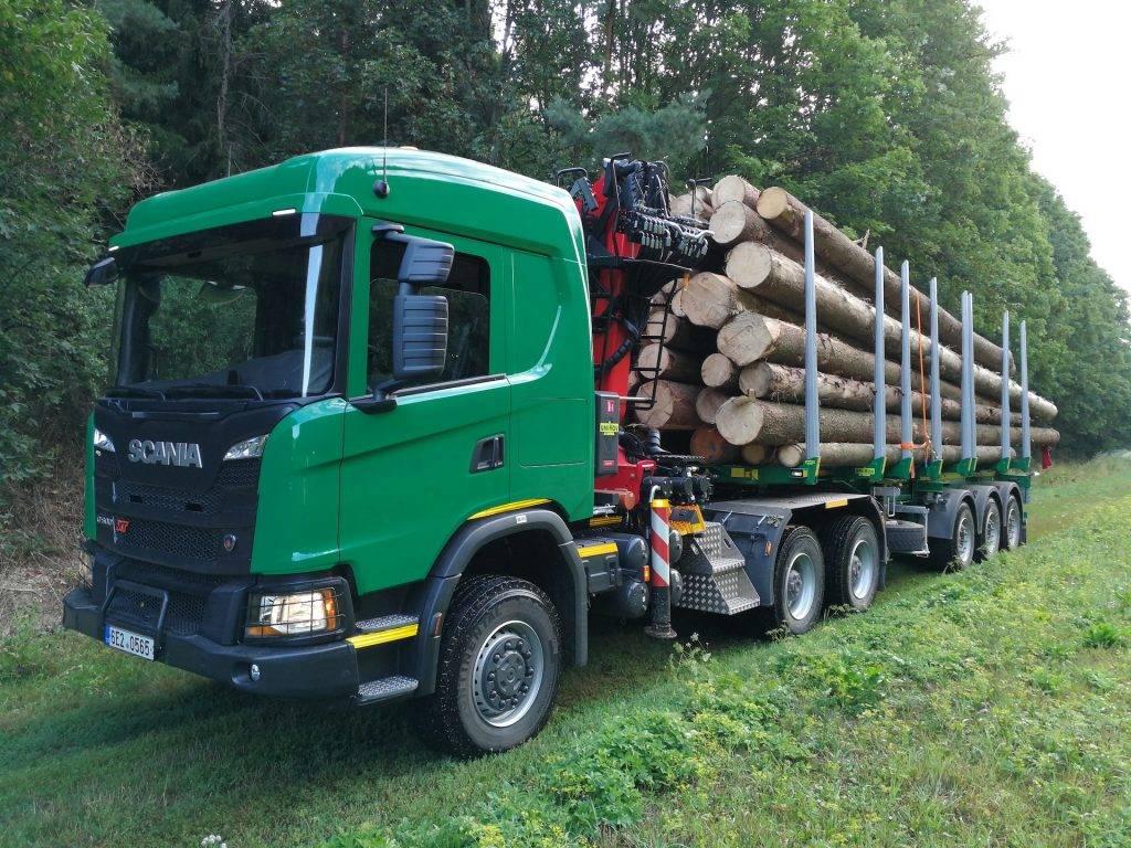 přeprava vytěženého dřeva Českomoravská lesní a.s., Svitavy